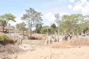 The Water Project: King'ethesyoni Community -  Dam Scaffolding