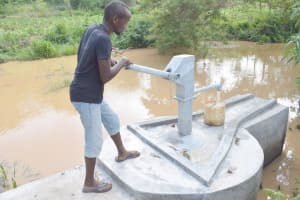 The Water Project: King'ethesyoni Community A -  Using The New Well