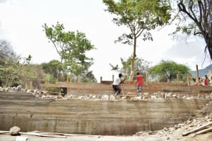 The Water Project: Yumbani Community -  Scaffolding Holds Walls In Place