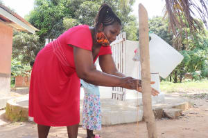 The Water Project: Lungi, Suctarr, #1 Kabbia Lane -  Demonstrating Handwashing Before Dedication Ceremony