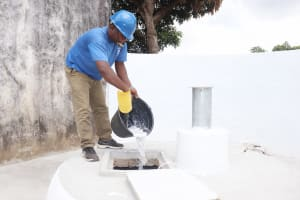 The Water Project: Lungi, Tintafor, St. Augustine Senior Secondary School -  Chlorination