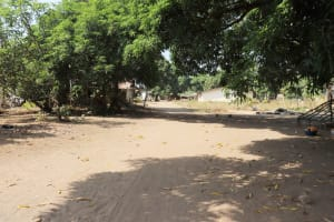 The Water Project: Lungi, Yongoroo, 32 Gbainty Bunlor -  Community Landscape
