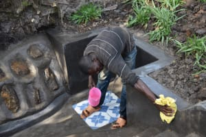 The Water Project: Shianda Community, Panyako Spring -  Cleaning Of The Spring