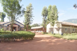 The Water Project: Utuneni Secondary School -  School Grounds