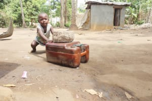 The Water Project: Lungi, Yongoroo, #7 Kamara Taylor Street -  Kids Playing