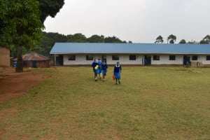 The Water Project: Friends Mudindi Village Primary School -  Heading To Fetch Water