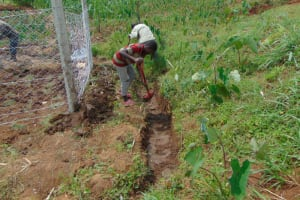 The Water Project: Shihome Community, Oloo Njinuli Spring -  Diggin The Cut Off Drainage