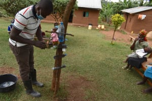 The Water Project: Shihome Community, Oloo Njinuli Spring -  Kitchen Gardening Demonstration