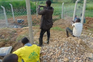 The Water Project: Shianda Commnity, Mukeya Spring -  Fencing