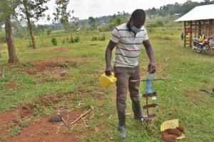 The Water Project: Shianda Commnity, Mukeya Spring -  Trainer Sam Teaches Kitchen Gardening