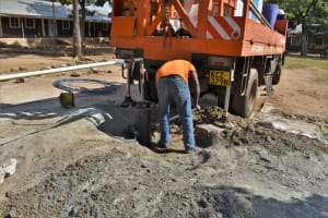 The Water Project: Ibokolo Primary School -  Clearing For Construction Of Temporary Pad