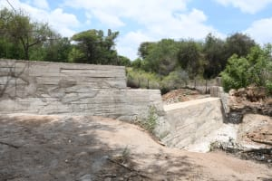 The Water Project: Thona Community -  Complete Dam