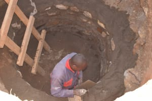 The Water Project: Thona Community A -  Lining The Well