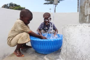 The Water Project: Lungi, Suctarr, #47 Kamara Street -  Kids Celebrating