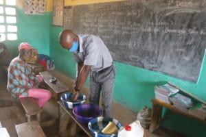 The Water Project: Lungi, Tintafor, Sierra Leone Church Primary School -  Handwashing Demonstration