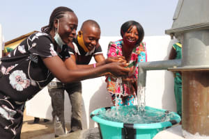 The Water Project: Lungi, Tintafor, Sierra Leone Church Primary School -  Teachers Celebrate The Well