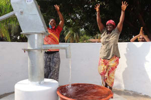 The Water Project: Lungi, Masoila, Off Swarray Deen Street (BAH) -  Community Members Celebrating