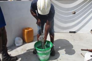 The Water Project: Lungi, Rotifunk, 22 Kasongha Road -  Testing Cylinder