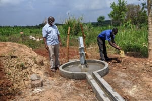 The Water Project: Alero B Community -  Chair Of The Local Council Washes His Hands