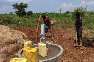 The Water Project: Alero B Community -  Leveling The Ground Around The Well