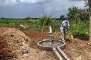 The Water Project: Alero B Community -  Washing Hands Before Commissioning