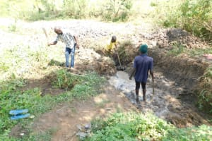 The Water Project: Mwitwa Community, Matiang'i Spring -  Excavation