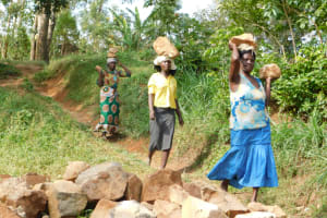 The Water Project: Khaunga A Community, Murutu Spring -  Carrying Materials To The Spring