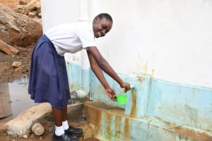 The Water Project: Kimuuni Secondary School -  Filling Up At The Tank