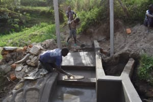 The Water Project: Bukhakunga Community, Maikuva Spring -  Plastering