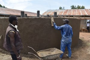 The Water Project: Gimarakwa Primary School -  Ouside Plastering Of The Tank