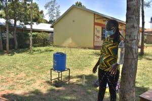 The Water Project: Gimarakwa Primary School -  Leaky Tin Use