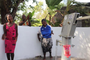 The Water Project: Rosint Community, #24 Poultry St -  Singing For The Well