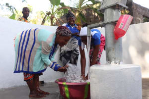 The Water Project: Rosint Community, #24 Poultry St -  Splashing At The Well
