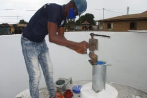 The Water Project: Lungi, Rotifunk, Paramount Chief's Compound -  Pump Installation