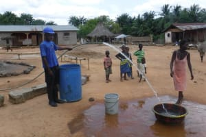 The Water Project: Polloth Village, Kroo Town Area -  Yield Test