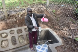 The Water Project: Malanga Community, Malava Housing Spring -  Plenty Of Water For A Fresh Drink