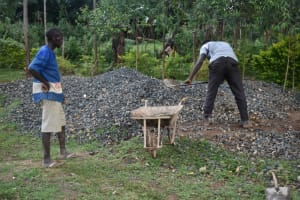 The Water Project: Itieng'ere Primary School -  Community Participation