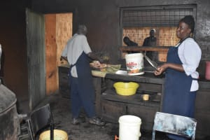 The Water Project: Shamberere Boys' High School -  The Schools Chefs Preparing Lunch