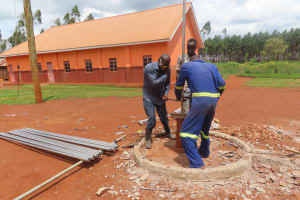 The Water Project: Marongo-Kahembe Community -  Installing The Pump
