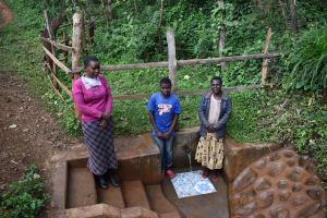 The Water Project: Harambee Community, Elijah Kwalanda Spring -  Community Members At The Spring