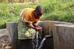 The Water Project: Shianda Community, Govet Lumbasi Spring -  Time To Enjoy Some Clean Water