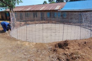 The Water Project: Jivuye Primary School -  Wire Wall Setting