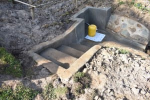 The Water Project: Mukhuyu Community, Namukuru Spring -  A Good Access System
