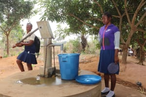 The Water Project: Kingsway Secondary School -  Sierraleone Student Collecting Water