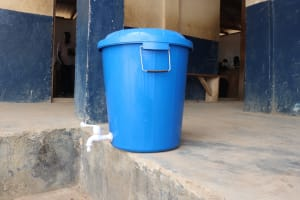 The Water Project: Kingsway Secondary School -  Sierraleone Hand Washing Station