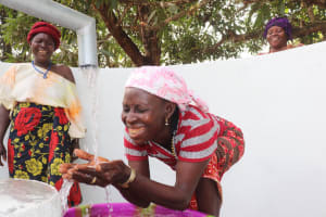 The Water Project: Lungi, Yongoroo, 32 Gbainty Bunlor -  Smiles For Safe And Reliable Water