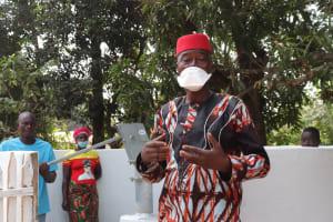 The Water Project: Lungi, Yongoroo, 32 Gbainty Bunlor -  Ward Councilor Abubakarr Koroma Making A Statement