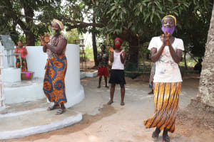 The Water Project: Lungi, Yongoroo, 32 Gbainty Bunlor -  Well Celebration