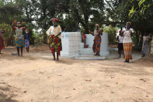 The Water Project: Lungi, Yongoroo, 32 Gbainty Bunlor -  Well Dedication