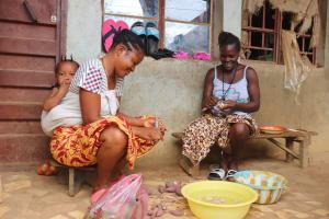 The Water Project: Lungi, Masoila, Lower Kamara St Mosque -  Woman Preparing Food